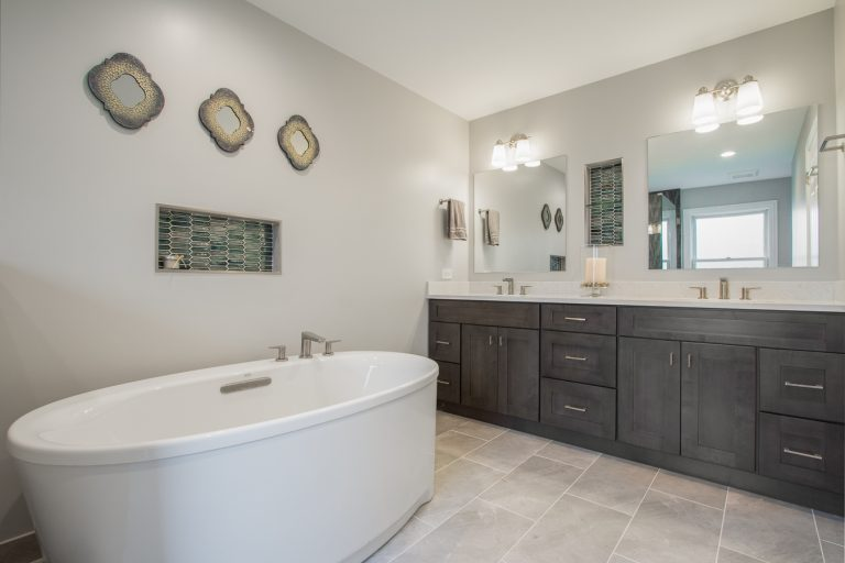 Transitional Moroccan Inspired Bath5